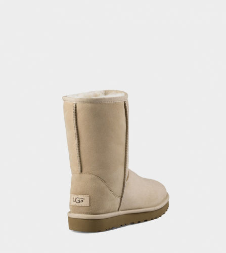 UGG CLASSIC SHORT II WATERPROOF KIDS SAND фото 2